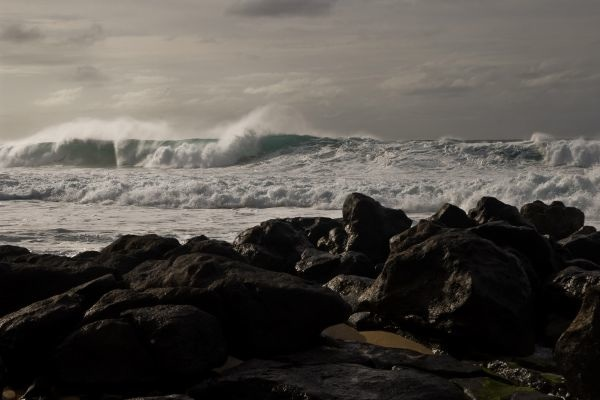 North Shore - Winter Swells, by John Kwock, M11